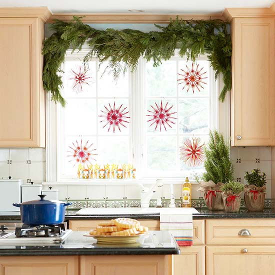 Dwell decorating a small space for the holidays - Dwell small spaces image ...