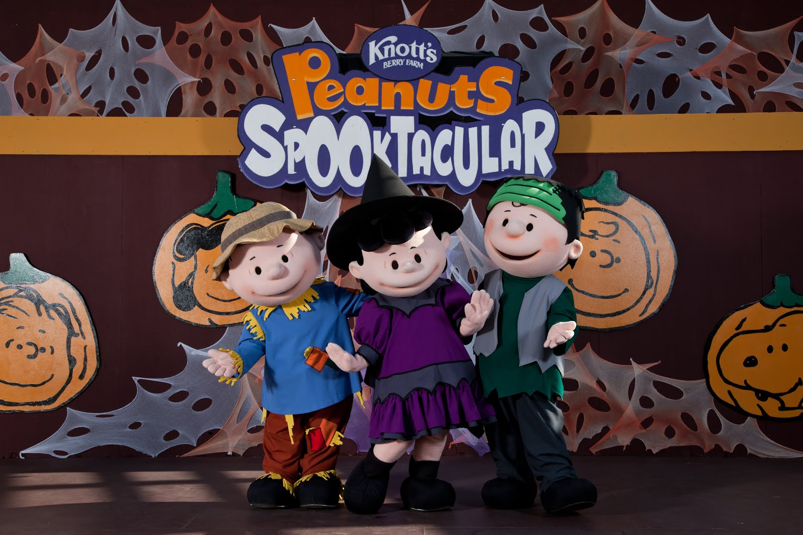 Knott's Berry Farm Offers Fun for the Whole Family!