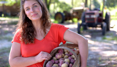 "Meet Vivian Howard from ""A Chef's Life"""