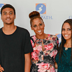 Inspirational Mom: Holly Robinson Peete, Hollywood's Autism Advocate
