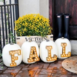 5 Gorgeous (and Simple) Fall Porch Decor Ideas