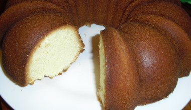 Delicious and Versatile Pound Cake!