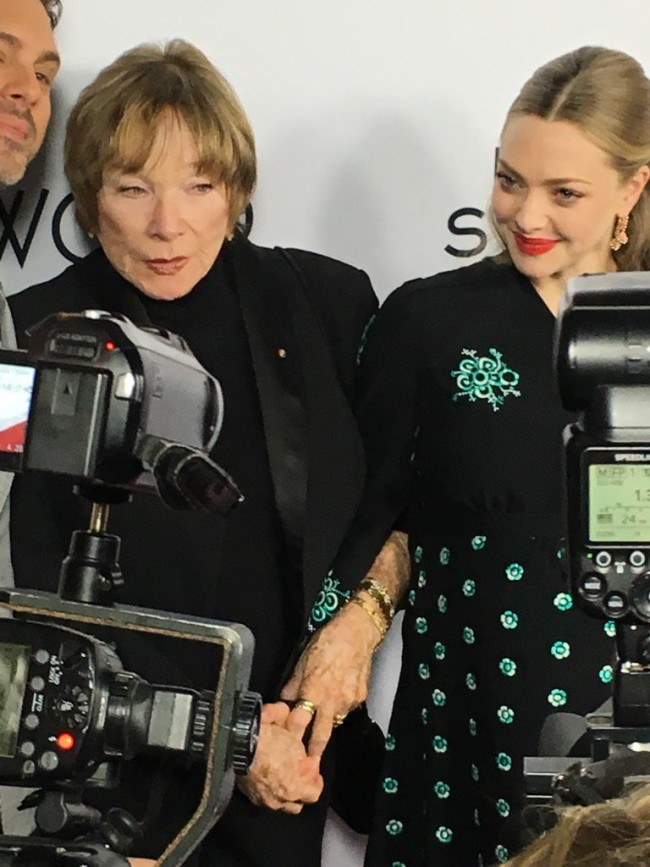 Living legend Shirley MacClaine and Amanda Seyfried on the carpet.