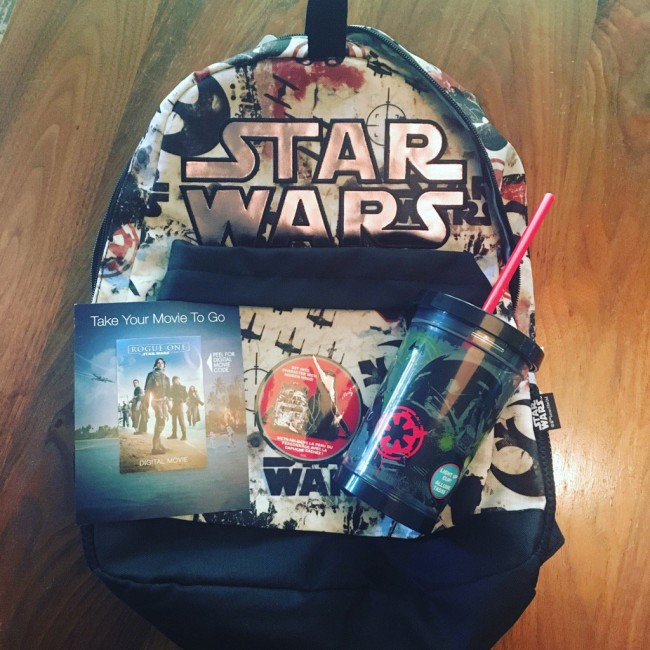 RogueOne.giveaway.C8hZl_yUwAAbm1q