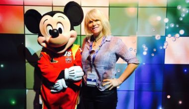 "Experience The Disney Social Media Mom ""On-The-Road"" Conference With Me!"